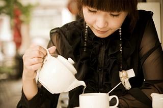 woman drinking chinese tea for weight loss